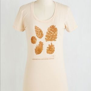 "Modcloth ""On Cloud Pine"" Pinecone tee - Small"